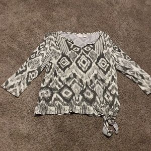 Chico's gray tribal print 3/4 sleeve tied top 1